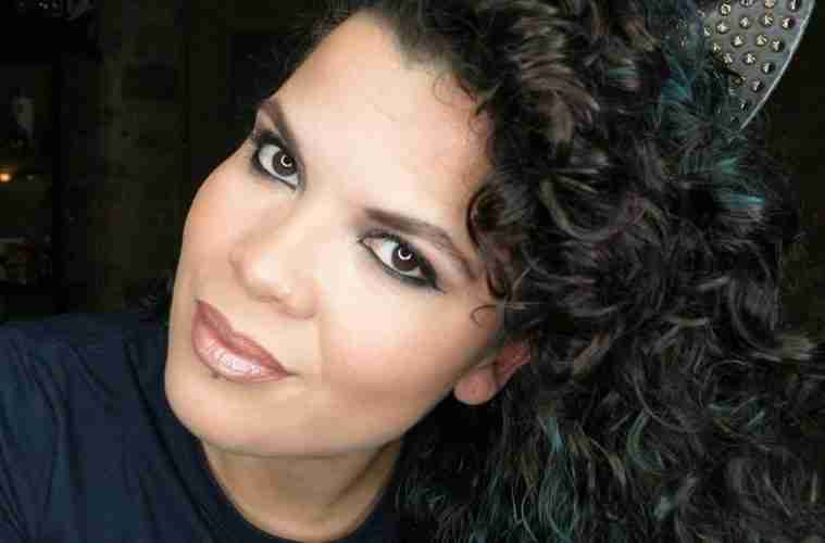 With over 16 years as a professional makeup artist, Kat DeJesus' experience has taught her that within this art lies the science of professionally applied makeup.