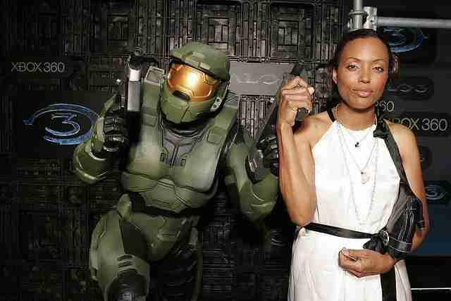 Give Aisha Tyler her flowers now and the credit she deserves 8 Sugar Gamers